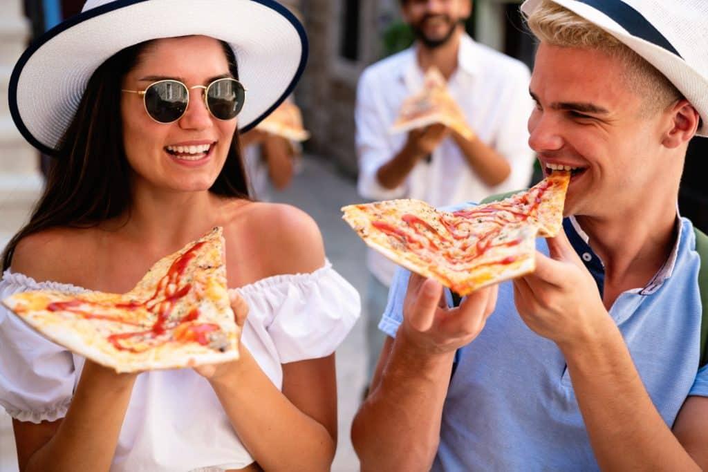 money-saving vacation tips-share food