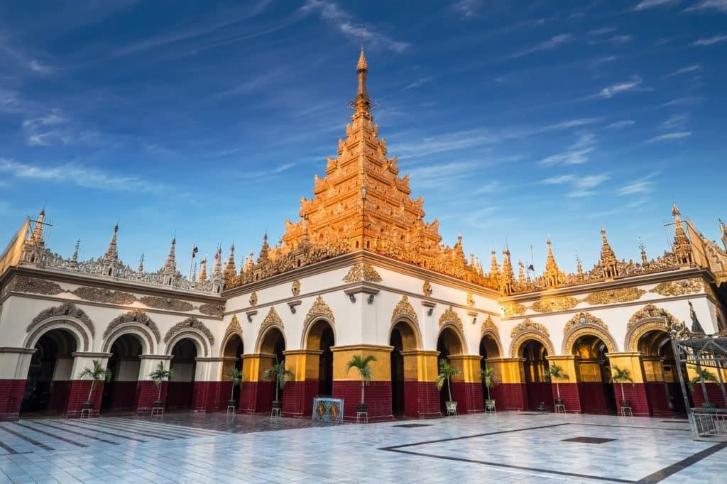 Golden Mahamuni Buddha Temple. Myanmar (Burma)