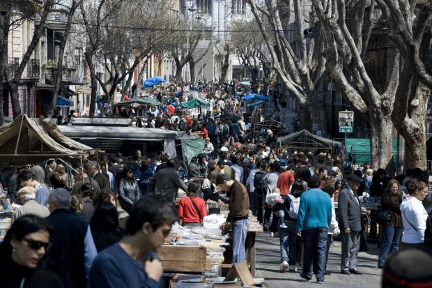 Feria de Tristán Narvaja in Montevideo