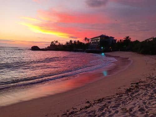 sunrise in Midigama